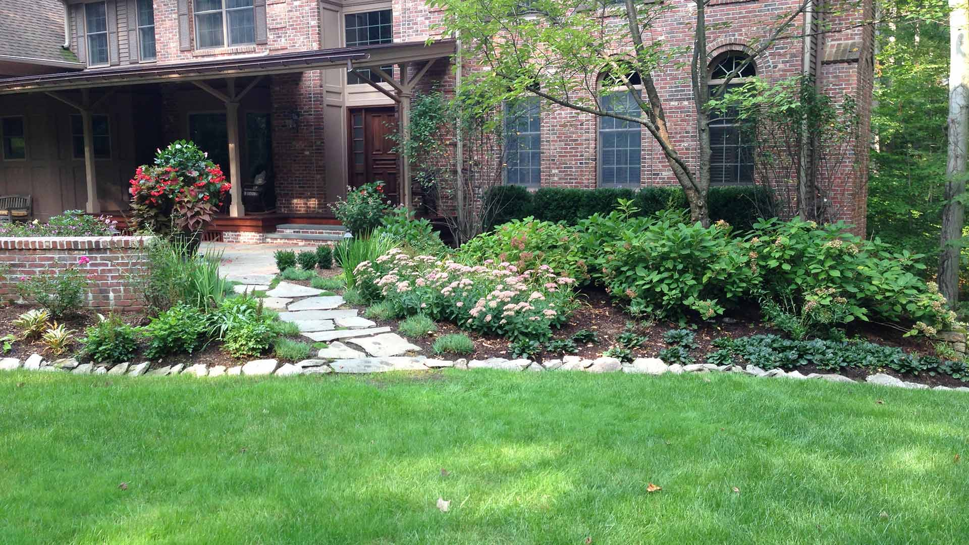 Well landscaped and healthy home lawn in Watchung, NJ.