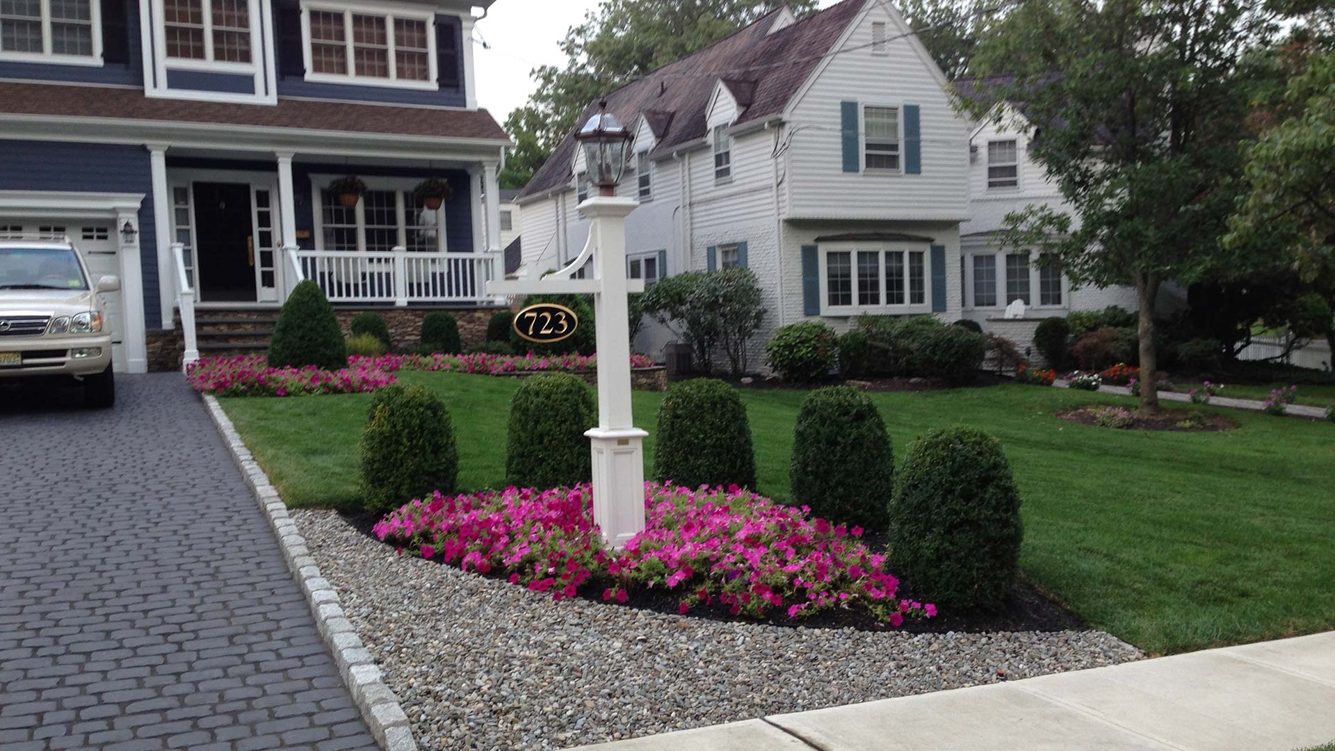 This customer has properly trimmed and pruned shrubs courtesy of our experienced professionals.